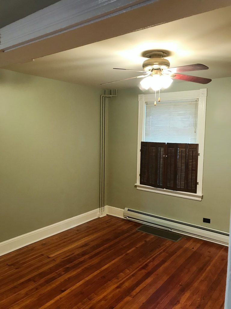 828 4th living room