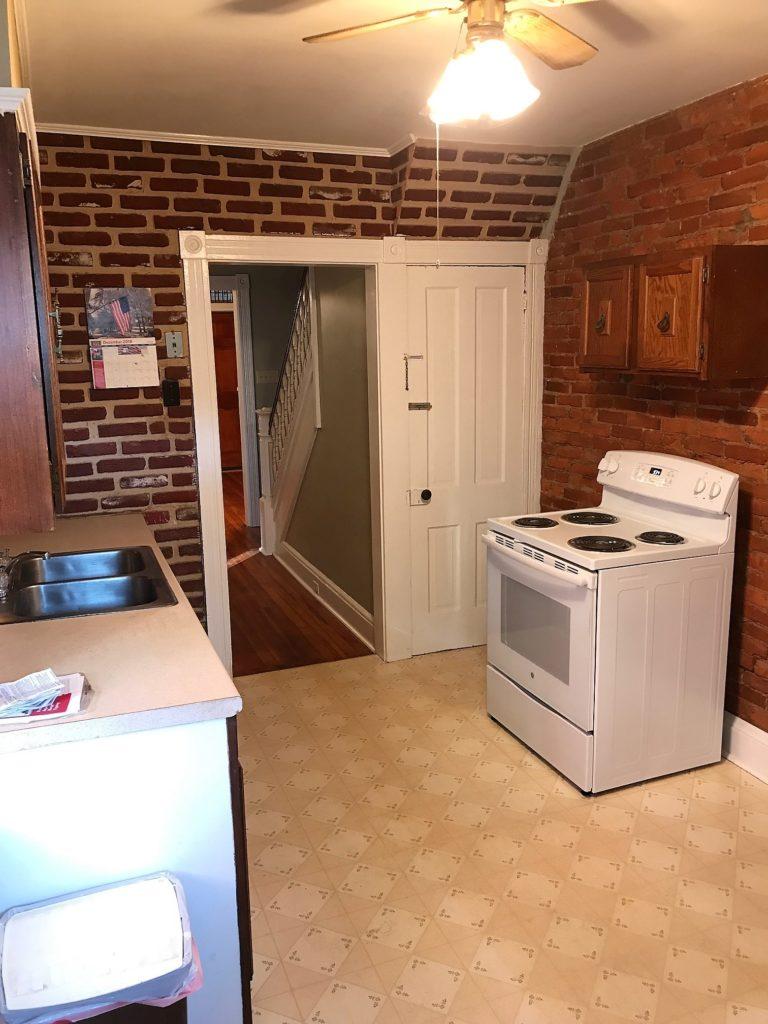 828 4th kitchen